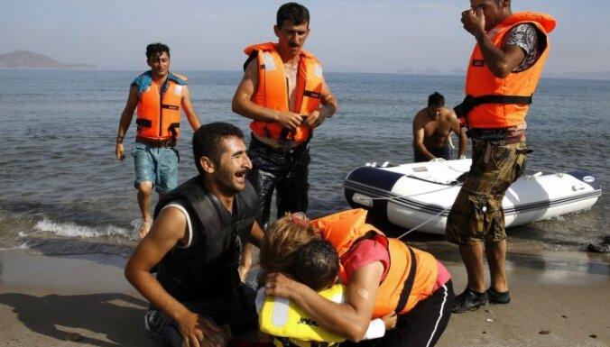 Bēgļu ceļš: Kā Tuvo Austrumu migranti masveidā izkāpj Grieķijas krastā