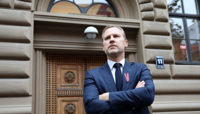 Dibināšanas protokolā nenorādītas informācijas dēļ atliek Gobzema partijas reģistrēšanu