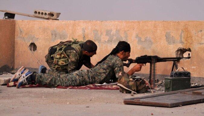 Nīderlandē arestē bijušo karavīru par 'Daesh' kaujinieku nogalināšanu Sīrijā