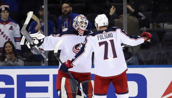 Kivlenieks izkonkurē Vehvilainenu – latvietis pieteikts NHL izslēgšanas spēlēm