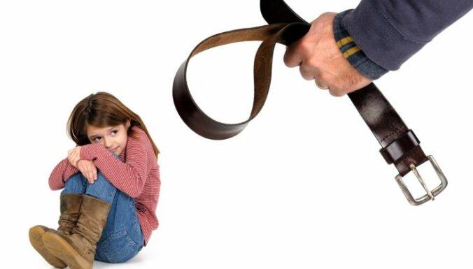 Četru veidu vardarbības pret bērniem un pazīmes, kas jāzina visiem vecākiem