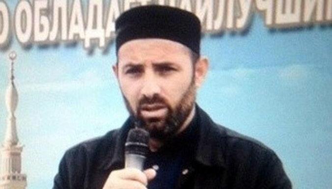 Dagestānā kaujinieki nogalina mēreno musulmaņu imamu Kidirovu