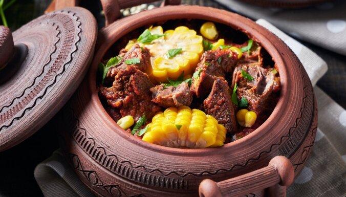 Vakariņas māla podiņā: receptes maltītēm bez liekām kalorijām un klapatām