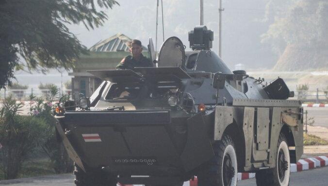 Mjanmas armija izsludina ārkārtējo stāvokli un pārņem varu