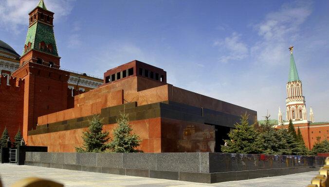 Asas kritikas dēļ atsauc Ļeņina mauzoleja pārbūves ideju konkursu