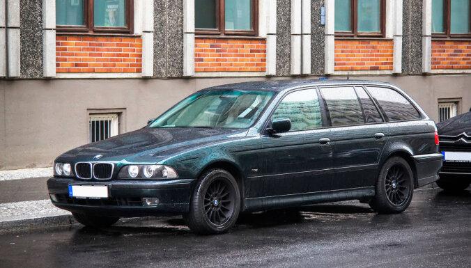 52% Latvijas iedzīvotāju brauc ar automašīnām, kas maksā zem 4000 eiro