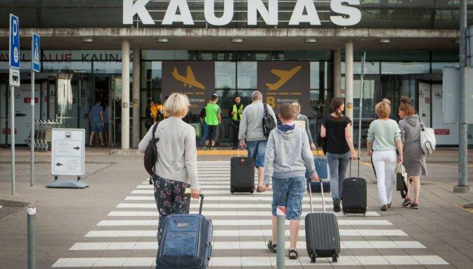 Коронавирус в Литве: на дежурства в порт и аэропорты заступают военные