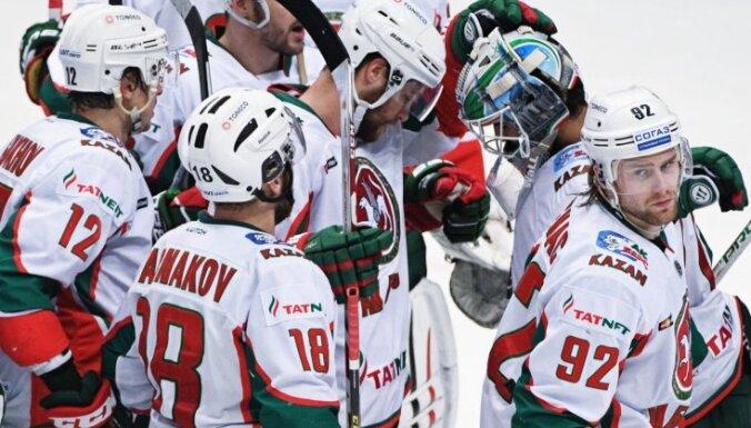 'Ak Bars' hokejisti pārsteidzoši ar sešu vārtu starpību zaudē 'Ņeftehimik' vienībai
