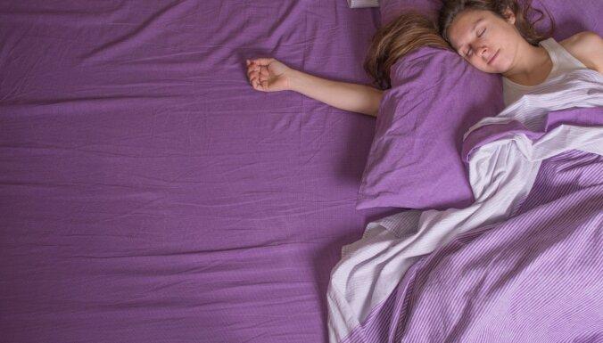 Kad salda miega vietā šausminošs sastingums. Kas ir miega paralīze