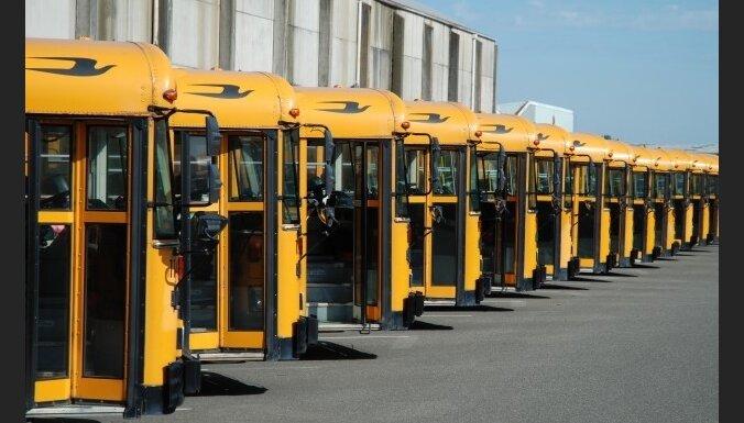 Decembrī 22 pašvaldības saņems 31 skolēnu autobusu