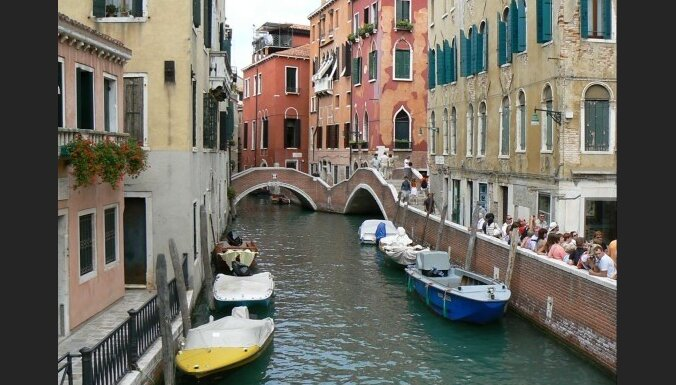 Rekordlieli plūdi svētkos piemeklē Venēciju