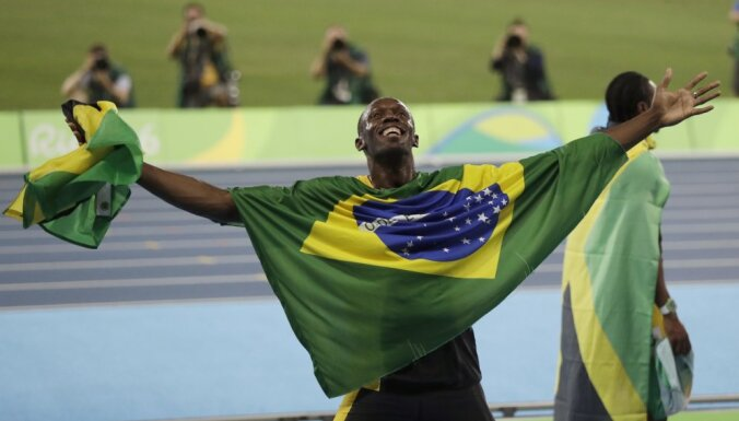 Великий Болт выиграл девятое золото Олимпиад и сравнялся с Латыниной и Льюисом