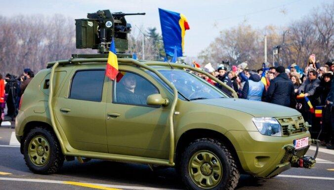 'Dacia' demonstrē 'Duster' apvidnieku bruņotajā versijā
