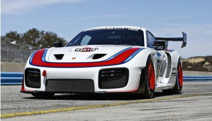 'Porsche' prezentējis miljonu vērtu sportisko auto '935'