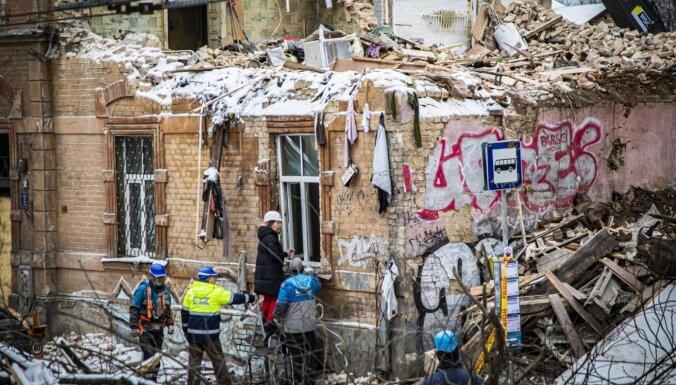 Sprādziens Melnsila ielā: pēc ēkas fasādes nostiprināšanas atjaunota satiksme