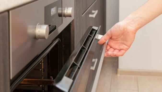 'Tava Māja' testē: efektīva metode smakas likvidēšanai cepeškrāsnī