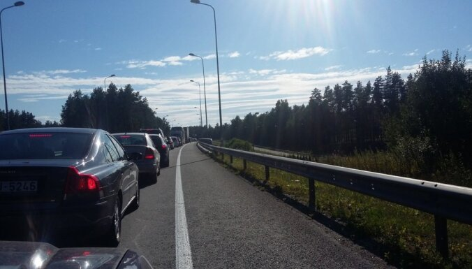 В пятницу из-за ремонтных работ ожидаются пробки в сторону Юрмалы и Саулкрасты