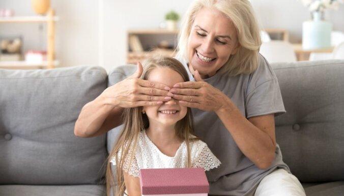 Kā izvēlēties dāvanu bērnam?