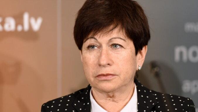 Saeima apstiprina Šteinbuku Fiskālās disciplīnas padomes locekļa amatā
