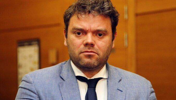 Noraida Rīgas domes opozicionāra plānu atlaist Jakrinu