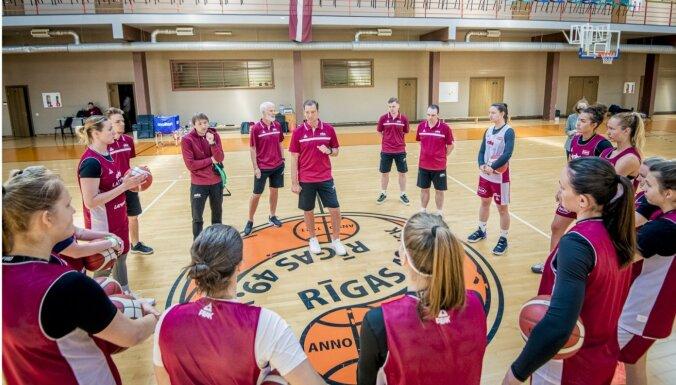 Latvijas sieviešu basketbola izlase Vētras vadībā uzsākusi treniņus