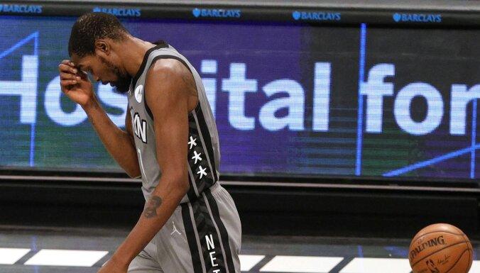 'Nets' zvaigzne Durants pārkāpis Covid-19 protokolu un izlaidīs četras spēles