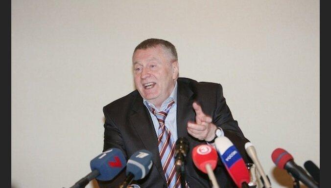 Azerbaidžāņu politiķis draud nogriezt Žirinovskim ausi
