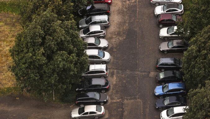 Zolitūdē, Imantā un Pļavniekos izbūvēs bezmaksas autostāvvietas