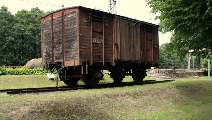 Rīgas dome savā īpašumā pārņems Torņakalna stacijas piemiņas vagonu