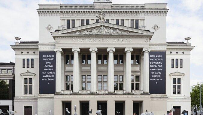 Foto: Rīgas pilsētvidē un sociālajos tīklos tapusi jauna instalācija