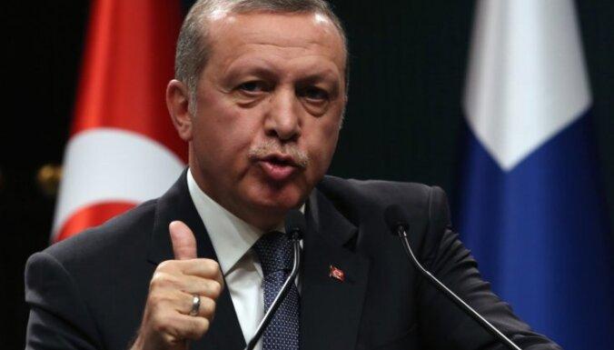Turcijas spēki un to atbalstītie nemiernieki ieņēmuši Sīrijas kurdu pilsētu Afrīnu