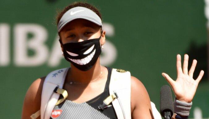 Naomi Osaka pēc skandāla Francijā izstājusies arī no Berlīnes turnīra