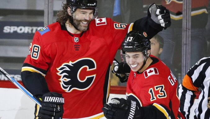 Чемпионат НХЛ: Кучеров и Наместников забили по шайбе, Ягр повторил уникальный рекорд