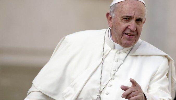 Папа Римский получил в подарок георгиевскую ленточку
