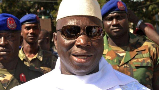 Rietumāfrikas valstis gatavas iebrukumam, bet Gambijas prezidents joprojām nepiekāpjas