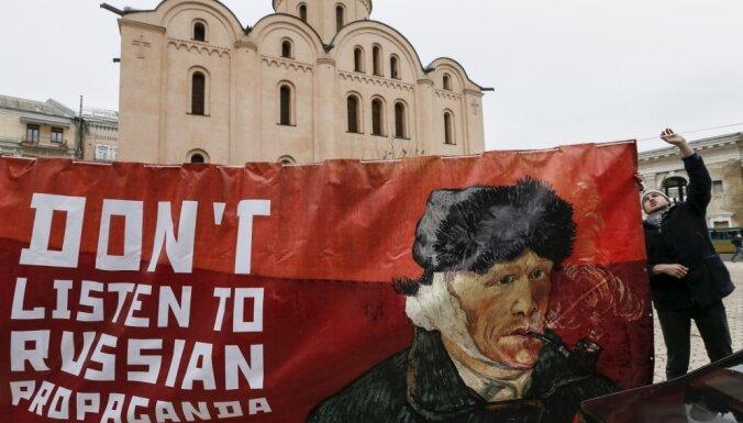Ukrainas Žitomiras apgabalā aizliedz grāmatas un dziesmas krievu valodā