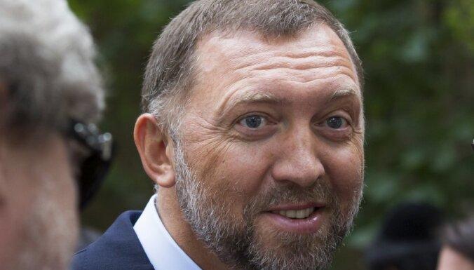 Дерипаска отсудил у Насти Рыбки и Алекса Лесли миллион рублей