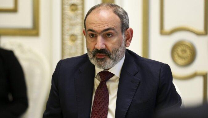 Uz robežas ar Azerbaidžānu izveidojusies krīzes situācija, brīdina Pašinjans