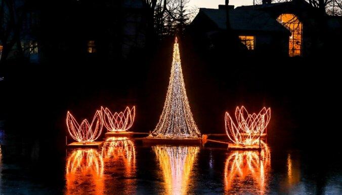 Krāšņi foto: Ziemassvētku pasaka Madonā