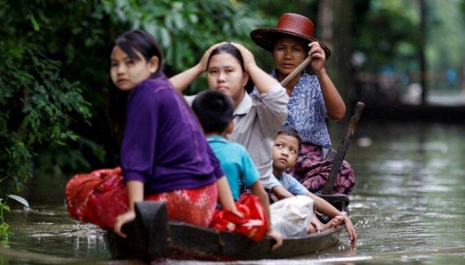 Mjanmā plūdu dēļ evakuēti 430 000 cilvēku