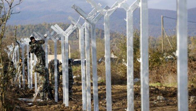 Maķedonija sāk žoga būvniecību uz robežas ar Grieķiju