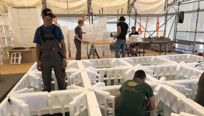 ФОТО: В Ирбене началась установка антен для гигантского локатора LOFAR