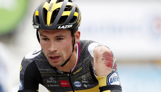 Pērnais 'Tour de France' vicečempions Rogličs traumas dēļ pamet sacensības
