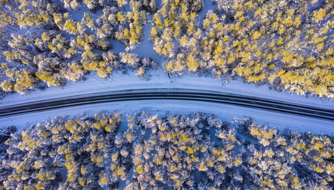 Foto: Ziema uz Latvijas valsts autoceļiem Kurzemē