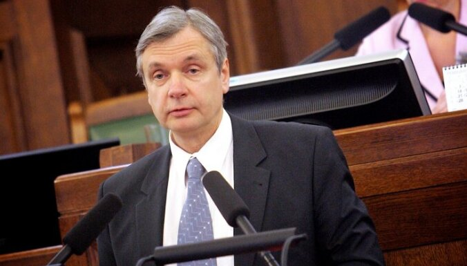 Политики поделили парламентские должности, оппозиция не у дел