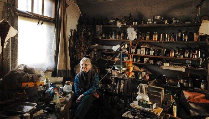 """Vilnis Vītoliņš. Foto no kolekijas """"100 istabas"""" (2006-2007)"""