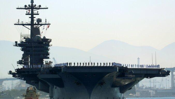 "Глава ВМС США ушел в отставку после скандала вокруг авианосца ""Теодор Рузвельт"""