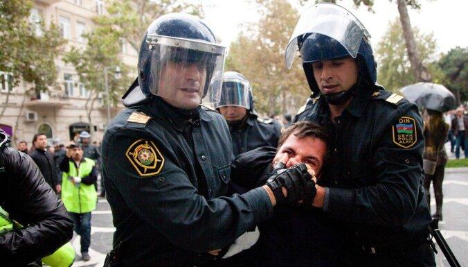 Eiropas sporta spēles: Politieslodzītie un represīvs režīms netraucē rietumu politiķiem apmeklēt Baku