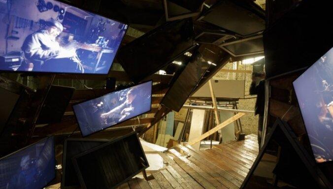 Foto: Pirms došanās ceļā Rīgā atrāda Venēcijas biennāles Latvijas paviljonu