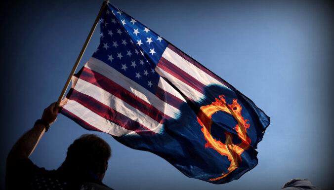 'QAnon' idejas republikāņu vidū ir uz palikšanu: 19 piekritēji uzsākuši vēlēšanu cīņu